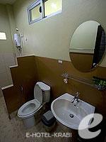 クラビ サービスヴィラのホテル : ランタ キャストアウェイ ビーチ リゾート(Lanta Castaway Beach Resort)のシーブリーズ バンガロールームの設備 Bath Room