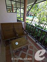 クラビ サービスヴィラのホテル : ランタ カジュアリーナ ビーチ リゾート(Lanta Casuarina Beach Resort)のビラルームの設備 Terrace