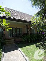 クラビ サービスヴィラのホテル : ランタ カジュアリーナ ビーチ リゾート(Lanta Casuarina Beach Resort)のビラルームの設備 Entrance