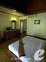 クラビ サービスヴィラのホテル : ランタ カジュアリーナ ビーチ リゾート(Lanta Casuarina Beach Resort)のビーチフロント ヴィラルームの設備 Room View