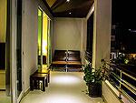 クラビ インターネット接続(無料)のホテル : ランタ スポーツ リゾート(Lanta Sport Resort)のゴールド デラックスルームの設備 Balcony