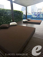 Poolside : Le Meridien Bangkok, Couple & Honeymoon, Phuket