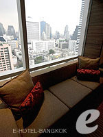Sitting Area : Vista at Le Meridien Bangkok, Swiming Pool, Bangkok