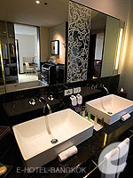 Bath Room : Avantec Suite at Le Meridien Bangkok, Swiming Pool, Bangkok