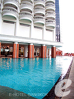 Swimming Pool : Lebua at State Tower, 2 Bedrooms, Phuket