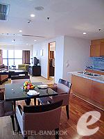 バンコク チャオプラヤ川周辺のホテル : ルブア アット ステート タワー(Lebua at State Tower)の2ベッドルーム エグゼクティブ スイートルームの設備 Dining Table