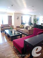 バンコク チャオプラヤ川周辺のホテル : ルブア アット ステート タワー(Lebua at State Tower)の3ベッドルーム エグゼクティブ スイートルームの設備 Living Room
