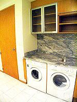 バンコク チャオプラヤ川周辺のホテル : ルブア アット ステート タワー(Lebua at State Tower)の3ベッドルーム エグゼクティブ スイートルームの設備 Washing Machine