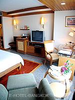 バンコク スクンビットのホテル : マジェスティック グランデ スクンビット(Majestic Grande Sukhumvit)のグランデ スーペリアルームの設備 Sitting Area