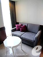 バンコク スクンビットのホテル : マジェスティック グランデ スクンビット(Majestic Grande Sukhumvit)のグランデ デラックスルームの設備 Living Area