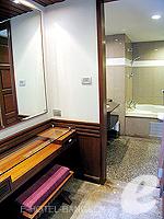 バンコク スクンビットのホテル : マジェスティック グランデ スクンビット(Majestic Grande Sukhumvit)のグランデ デラックスルームの設備 Bath Room