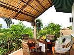 プーケット その他・離島のホテル : マンゴスチン リゾート & アーユルベーダ スパ(Mangosteen Resort & Ayurveda Spa)のファミリー ヴィラルームの設備 Balcony