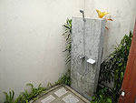 サムイ島 チョンモーンビーチのホテル : マンクート ヴィラ(Mankoot Villa)の2ベッドルームルームの設備 Outdoor Shower