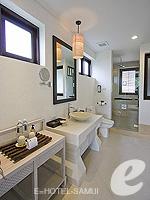 サムイ島 チョンモーンビーチのホテル : メラティ ビーチ リゾート & スパ(Melati Beach Resort & Spa)のグランド デラックスルームの設備 Bathroom