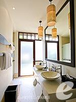 サムイ島 チョンモーンビーチのホテル : メラティ ビーチ リゾート & スパ(Melati Beach Resort & Spa)のプライベートガーデン プールルームの設備 Bathroom