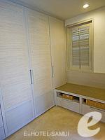 サムイ島 チョンモーンビーチのホテル : メラティ ビーチ リゾート & スパ(Melati Beach Resort & Spa)のファミリー プールヴィラ スイートルームの設備 Closet