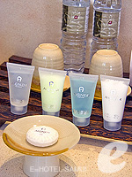 サムイ島 チョンモーンビーチのホテル : メラティ ビーチ リゾート & スパ(Melati Beach Resort & Spa)のファミリー プールヴィラ スイートルームの設備 Bath Amenities