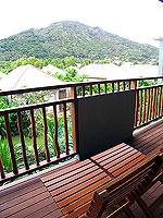 プーケット フィットネスありのホテル : メタディ− リゾート & スパ(Metadee Resort and Spa)のデラックス プールビュールームの設備 Balcony