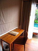 プーケット フィットネスありのホテル : メタディ− リゾート & スパ(Metadee Resort and Spa)のアクセス プールヴィラルームの設備 Desk