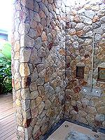 プーケット フィットネスありのホテル : メタディ− リゾート & スパ(Metadee Resort and Spa)のアクセス プールヴィラルームの設備 Shower