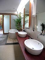 プーケット フィットネスありのホテル : メタディ− リゾート & スパ(Metadee Resort and Spa)のアクセス プールヴィラルームの設備 Bath Room