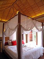 プーケット フィットネスありのホテル : メタディ− リゾート & スパ(Metadee Resort and Spa)のプライベート プールヴィラルームの設備 Living Area