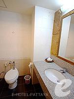 パタヤ ノースパタヤのホテル : マイク オーキッド リゾート(Mike Orchid Resort)のスタンダード ルームルームの設備 Bathroom