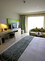 プーケット パトンビーチのホテル : ミレニアム リゾート パトン プーケット(Millennium Resort Patong Phuket)のスーペリア(ダブル)ルームの設備 Bedroom