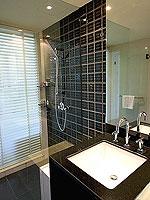 プーケット パトンビーチのホテル : ミレニアム リゾート パトン プーケット(Millennium Resort Patong Phuket)のスーペリア(ダブル)ルームの設備 Bath Room