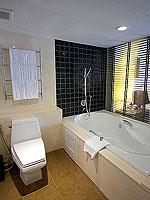 プーケット パトンビーチのホテル : ミレニアム リゾート パトン プーケット(Millennium Resort Patong Phuket)のカバナ プール アクセス(ダブル)ルームの設備 Balcony
