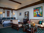 プーケット スパ併設のホテル : モム トリズ ヴィラ ロイヤル(Mom Tri's Villa Royale)のペントハウス スイートルームの設備 Living Area
