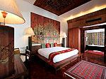 プーケット スパ併設のホテル : モム トリズ ヴィラ ロイヤル(Mom Tri's Villa Royale)のシー(ダオ・ア・デュン・スイート)ルームの設備 Bedroom