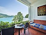 プーケット スパ併設のホテル : モム トリズ ヴィラ ロイヤル(Mom Tri's Villa Royale)のビーチ ウィング スイートルームの設備 Balcony
