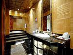 プーケット スパ併設のホテル : モム トリズ ヴィラ ロイヤル(Mom Tri's Villa Royale)のカタ スイートルームの設備 Bath Room