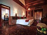 プーケット スパ併設のホテル : モム トリズ ヴィラ ロイヤル(Mom Tri's Villa Royale)のヌン(ラントン スイート)ルームの設備 Bedroom