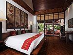 プーケット スパ併設のホテル : モム トリズ ヴィラ ロイヤル(Mom Tri's Villa Royale)のサム(ダマ ラクサ スイート)ルームの設備 Bedroom