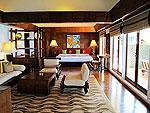 プーケット スパ併設のホテル : モム トリズ ヴィラ ロイヤル(Mom Tri's Villa Royale)のハー(トイ・タレイ・スイート)ルームの設備 Bedroom