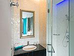 プーケット インターネット接続(無料)のホテル : ザ ウォーター カオラック バイ カタタニ リゾート(The Waters Khao Lak by Katathani Resort)のベイ(ベイ ウィング)ルームの設備 Bath Room