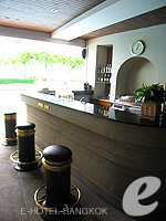 Poolside Bar : Montien Riverside Hotel, Swiming Pool, Phuket