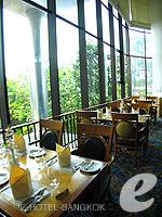 バンコク チャオプラヤー川周辺のホテル : モンティエン リバーサイド ホテル 「Oriental Restaurant」