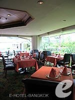 バンコク プールありのホテル : モンティエン リバーサイド ホテル 「Thai Restaurant」