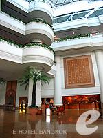 バンコク チャオプラヤー川周辺のホテル : モンティエン リバーサイド ホテル 「Main Lobby」