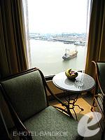 バンコク チャオプラヤー川周辺のホテル : モンティエン リバーサイド ホテル(Montien Riverside Hotel)のデラックスルームの設備 Relax Area
