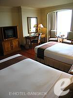 バンコク チャオプラヤー川周辺のホテル : モンティエン リバーサイド ホテル(Montien Riverside Hotel)のクラブ Cルームの設備 Writing Desk