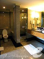 バンコク チャオプラヤー川周辺のホテル : モンティエン リバーサイド ホテル(Montien Riverside Hotel)のエグゼクティブ スイートルームの設備 Bathroom