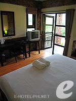 プーケット カオラックのホテル : モーティブ コテージ リゾート(Motive Cottage Resort)のデラックスルームルームの設備 Double Bedroom