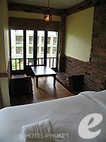 プーケット カオラックのホテル : モーティブ コテージ リゾート(Motive Cottage Resort)のデラックスルームルームの設備 Twin Bedroom