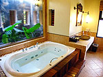 プーケット カオラックのホテル : ムクダラ ビーチ リゾート(Mukdara Beach Villa & Spa Resort)のデラックス ジャグジーヴィラルームの設備 Bath Room