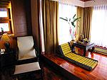プーケット カオラックのホテル : ムクダラ ビーチ リゾート(Mukdara Beach Villa & Spa Resort)のハネムーン スイート プールビラ ガーデンビュー(ルームの設備 Living Area