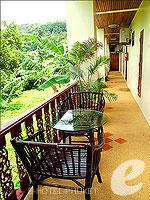 プーケット パトンビーチのホテル : ナナイ ヴィラ 「Corridor」